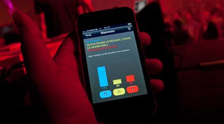 smartphone_in_hand
